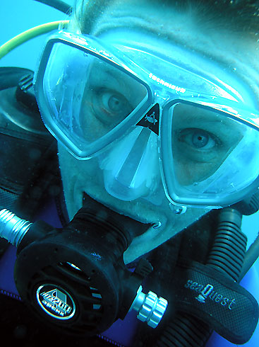 Photo,  Mariann sous l'eau prise par Omar Agis Saca